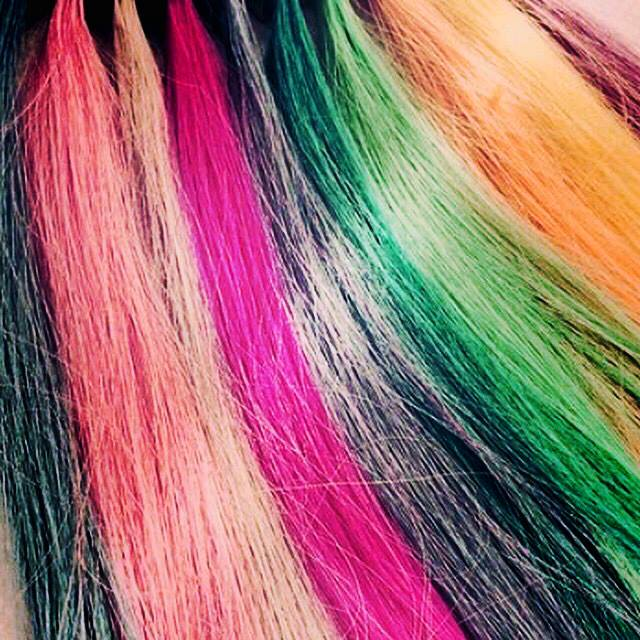 Can You Color Your Hair With Extensions In?