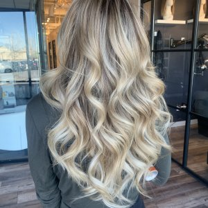 shadow-root-blonde-with-18-in-fusion-extensions-glo-denver